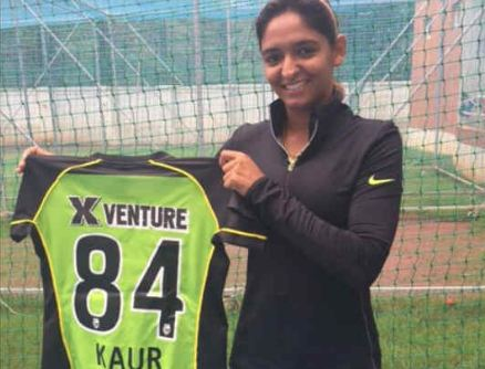 Harmanpreet Kaur 2 club shirt