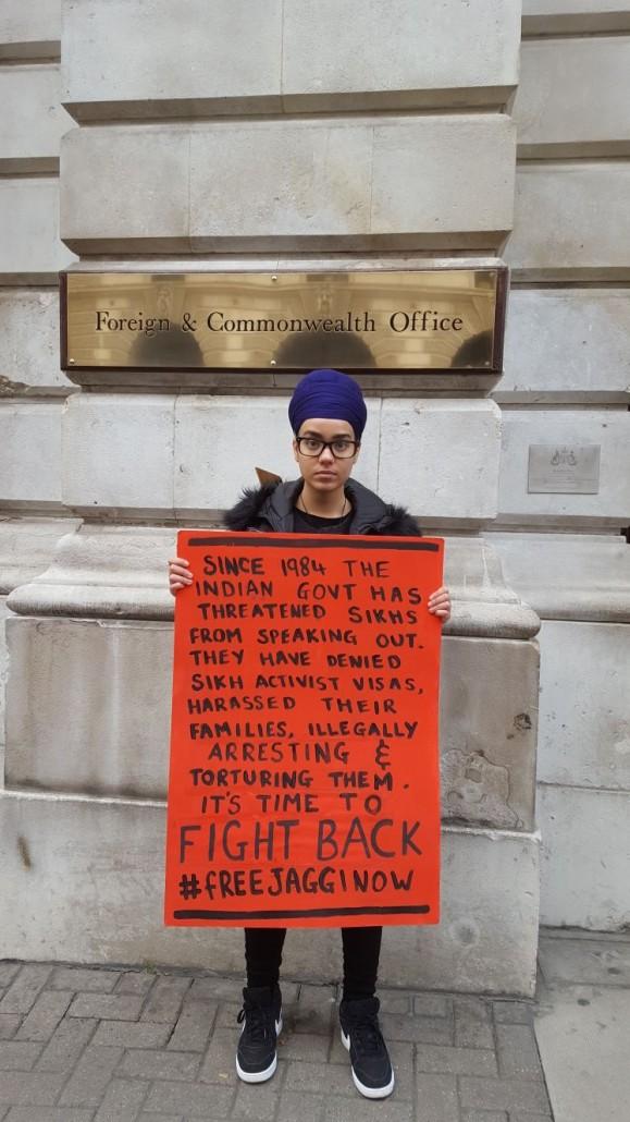#FreeJaggiNow bhenji with sign